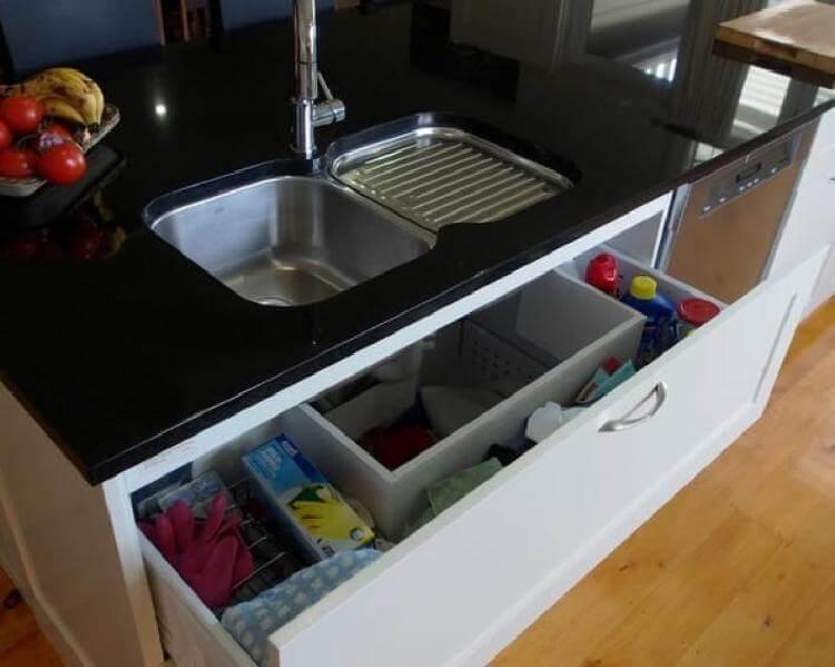 13 хитростей, как сделать кухню эстетически привлекательной: идеи хранения губок и моющих средств
