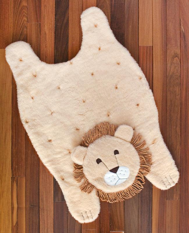 Шьем мягкий коврик в виде льва в детскую комнату