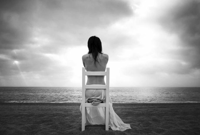 Как справиться с одиночеством и депрессией, делятся эксперты.