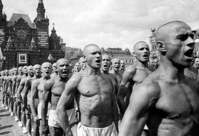 Зачем проводили парады физкультурников в СССР