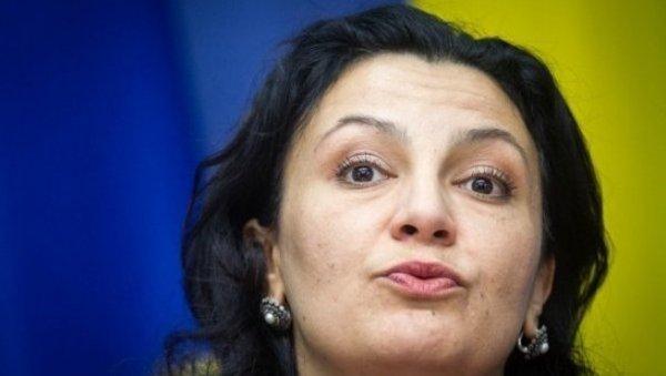 Украина публично просит милостыню