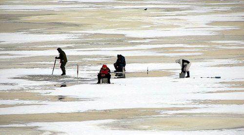 «Я человек закаленный, привык к риску», - рыбаки о действиях в чрезвычайной ситуации
