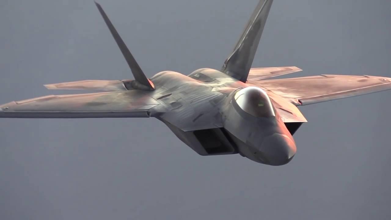 Почему США потеряли сразу 17 истребителей F-22 Raptor?
