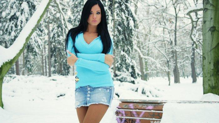Красивые девушки зимой фото