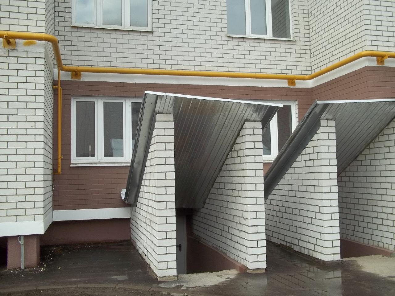 Как сделать вход в цокольный этаж с улицы фото