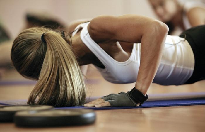 3 действенных лайфхака по уходу за волосами после тренировки в спортзале