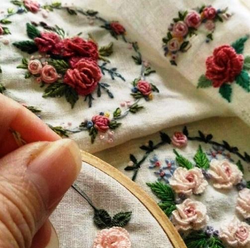 Моя прелесть — вышиваем розочки в стиле «рококо»