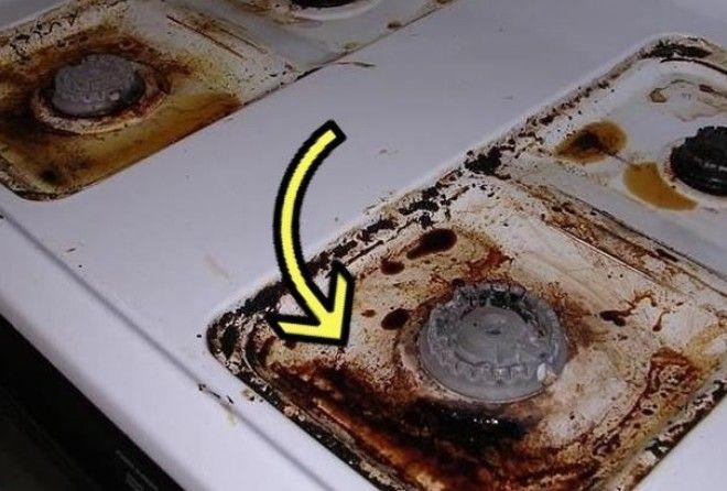Чтобы не драить с усилием плиту, хозяйка придумала, как её надёжно защитить