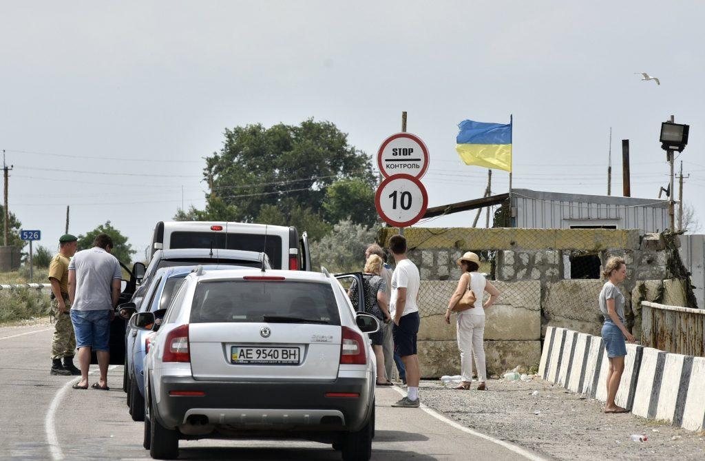Тяжелый путь в Крым: как укр…