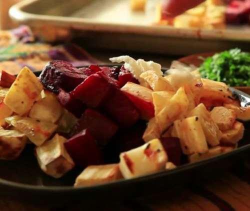 Теплый салат из корнеплодов