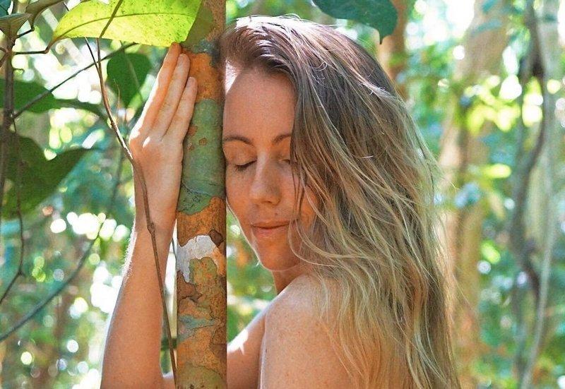 Она переехала в джунгли, что…