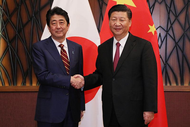 Китай и Япония устали от США и доллара