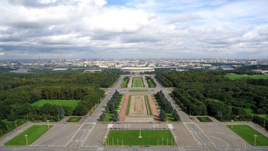 В Москве закрыли смотровую площадку на Воробьевых горах