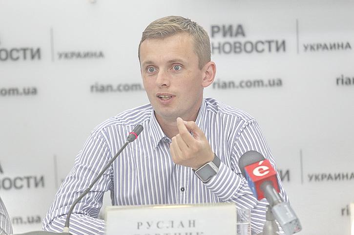 Радикалы в Киеве поднимут бунт против договоренностей Волкера-Суркова