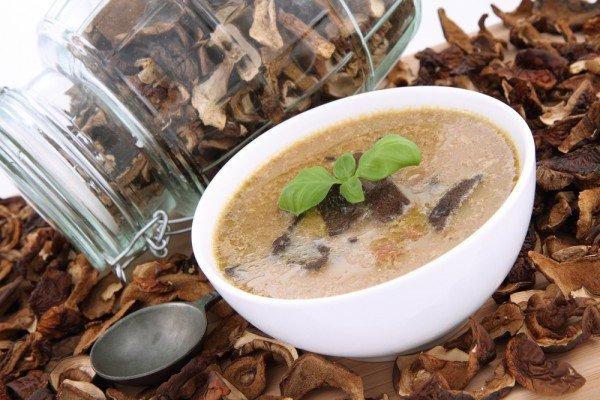ДЕНЬ ПЕРВОГО БЛЮДА. Суп с белыми грибами и вермишелью