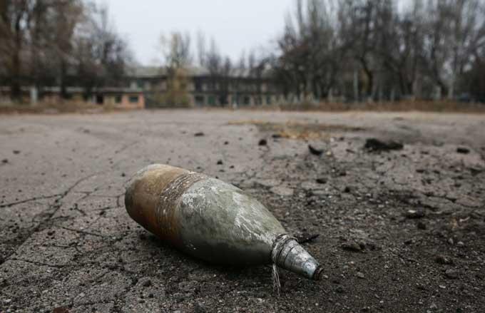 Киевские боевики обстреляли школу в Донецке