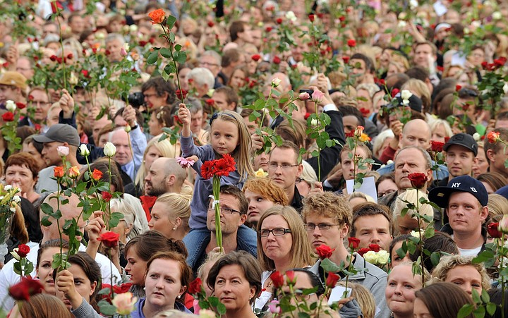 В Осло установили памятник жертвам норвежского националиста Брейвика