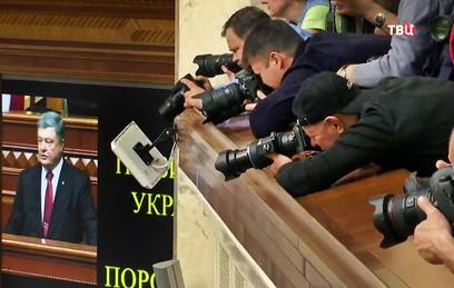 Порошенко заявил, что Украина рискует потерять государственность