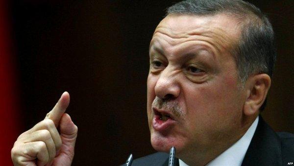 «США доигрались»: В ответ на санкции Эрдоган «объявил байкот» iPhone и другой электронике США
