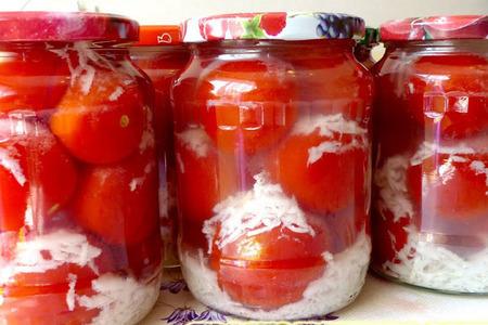 Фото к рецепту: Маринованные помидоры на зиму