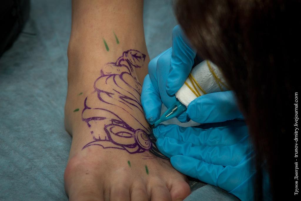 kdink04 Как делается татуировка — специально для девушек