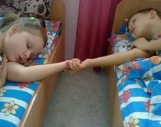 """В """"тихий час"""" должны спать все дети"""