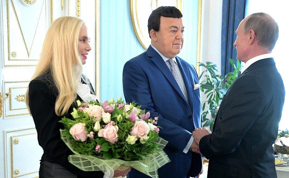 Валентина Терешкова навестила Кобзона в больнице