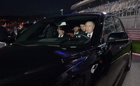 Путин прокатил президента Ег…