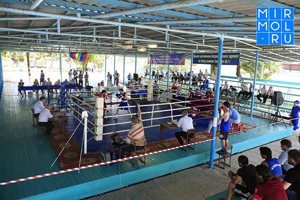 17-й Всероссийский турнир по боксу памяти Хаджимурада Гамзаева стартовал в Избербаше
