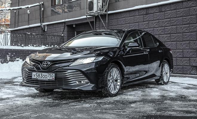 Тест-драйв: Toyota Camry
