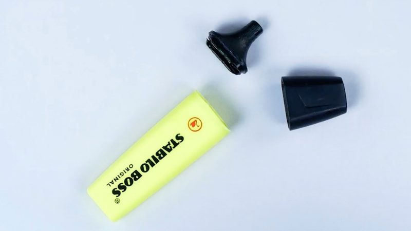 Гениальный трюк с сухим маркером и отбеливателем. Обновляем старую одежду
