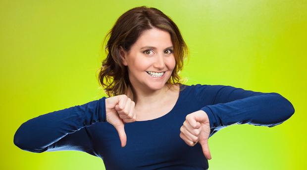 Люди чаще улыбаются от негатива
