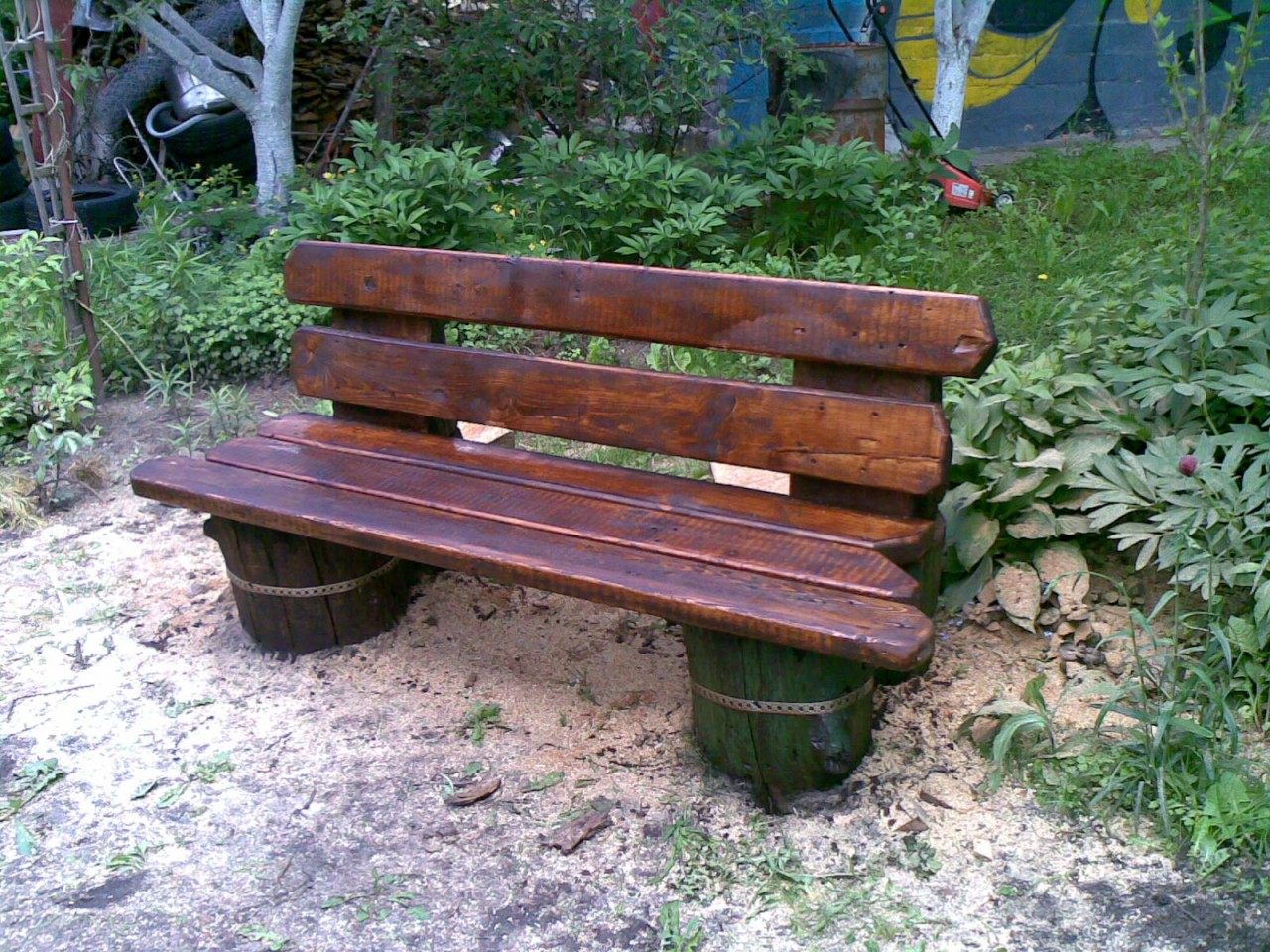 Как сделать скамейку во дворе фото