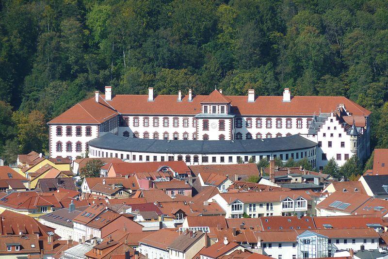 File:Schloss01.jpg