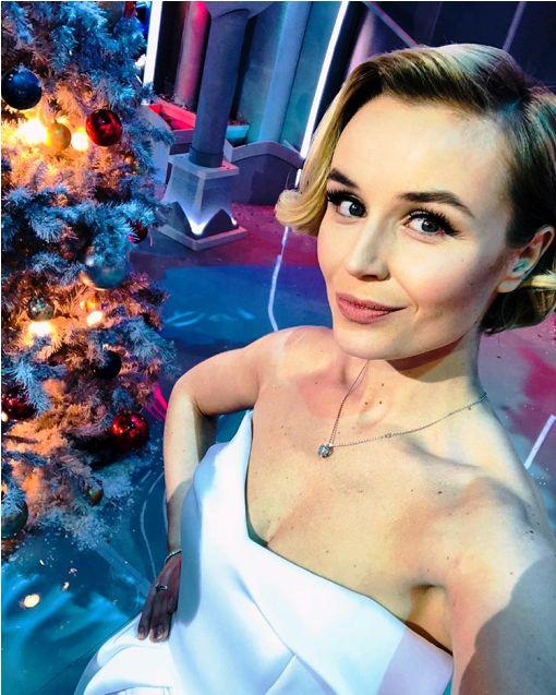 «А кому-то кушать нечего» — последнее новогоднее фото Полины Гагариной вызвало бурю негодования