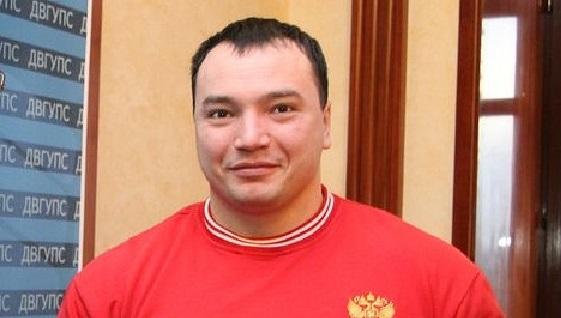 ВХабаровске вдраке убит чемпион мира попауэрлифтингу Андрей Драчев