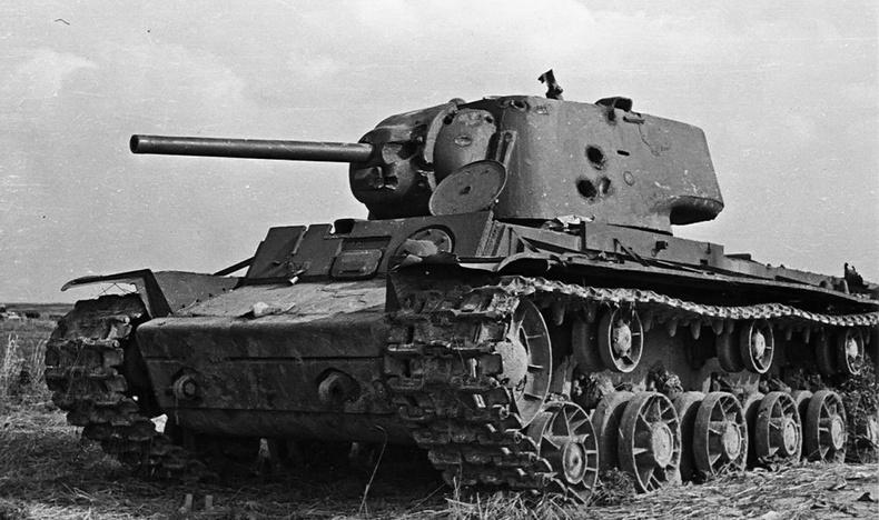 Как один советский танк два …