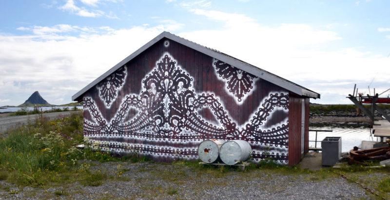 Посмотрите, как польская художница превращает стены домов в произведения искусства