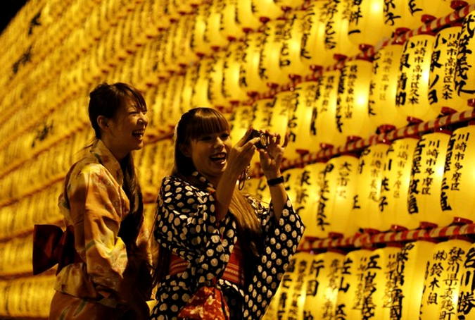Японский фестиваль фонариков Канто мацури