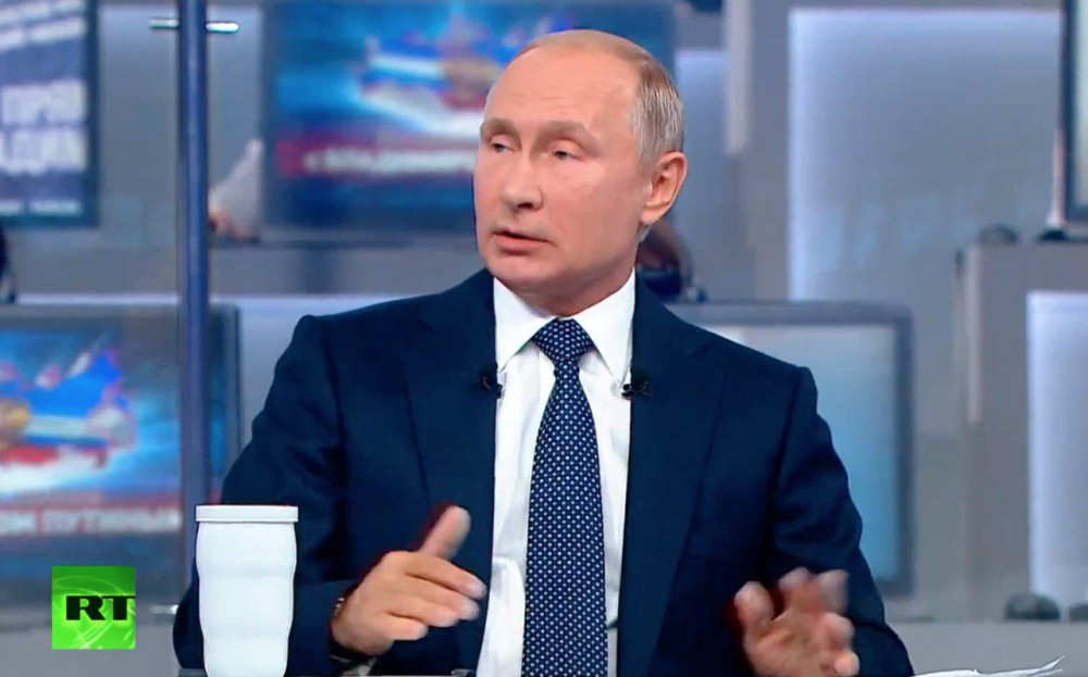 """Главные цитаты и """"забавные"""" моменты из прямой линии Путина"""