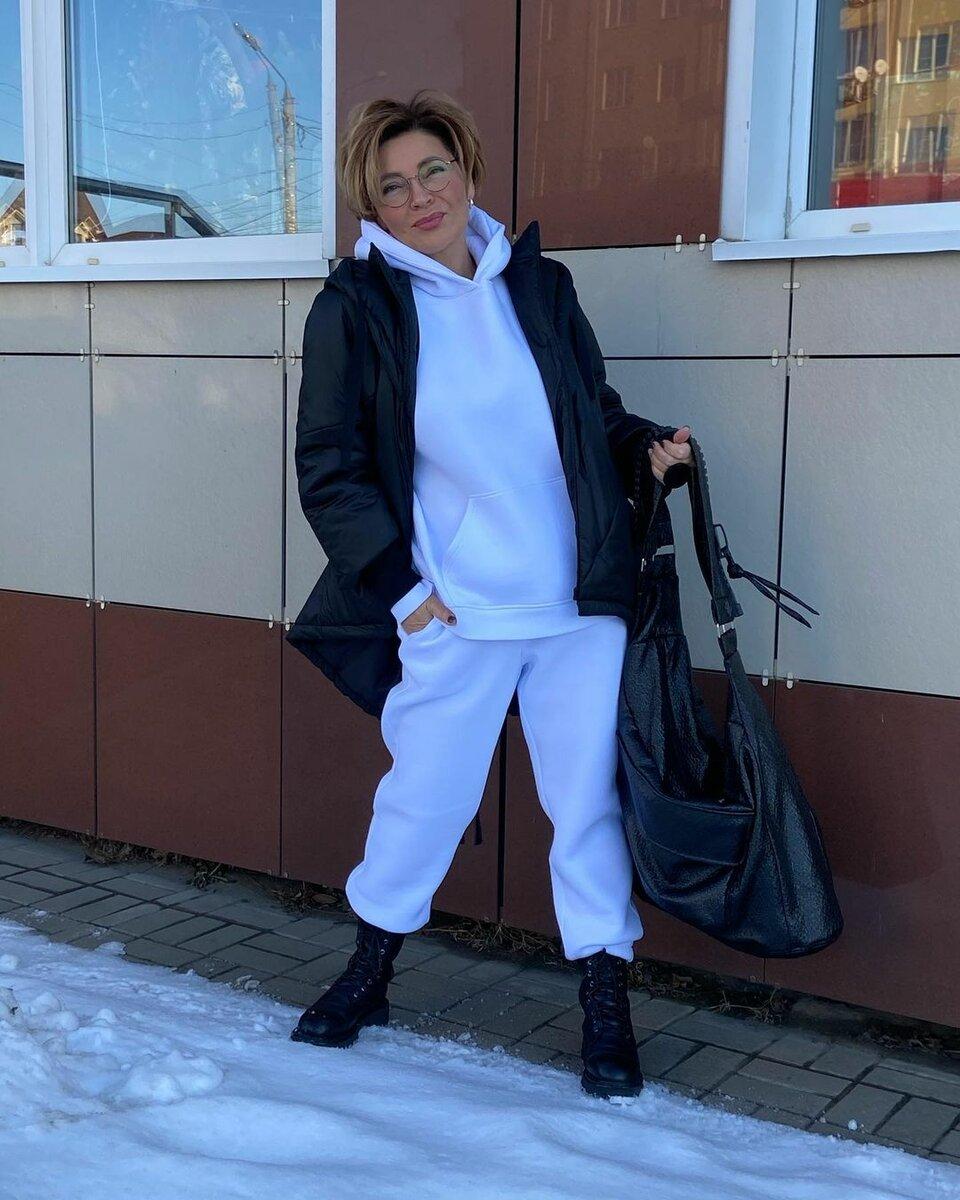 @konarevairina / Крутой способ стилизовать флисовый костюм. /Фото: instagram.com