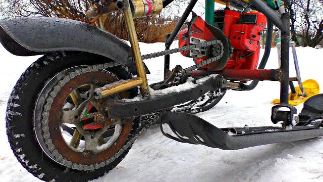 Снегоход из Санок и Бензопилы