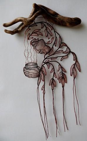Ágnes Herczeg - венгерская мастерица, создающая шедевры из кружев ручной работы и кусочков дерева.