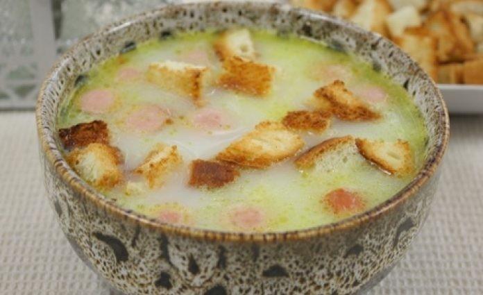 У Вас есть мультиварка? Тогда такой суп вас не раз спасет! Сырный суп в мультиварке