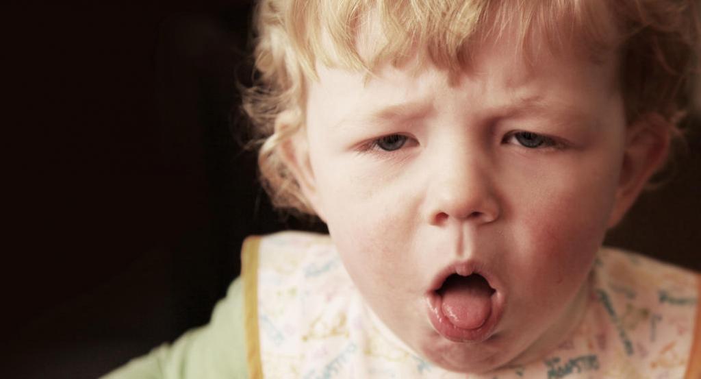 Долгий кашель без температуры у ребенка: причины и способы лечения