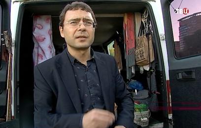 Дом на колесах: москвич уже 15 лет живет в фургоне