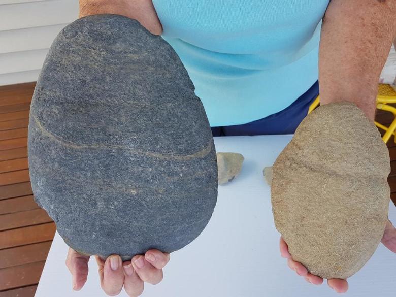 Каменный топор огромных разм…
