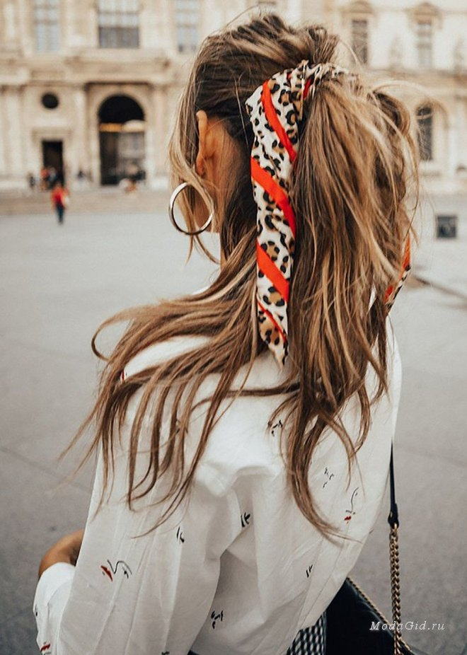 Модные причёски с шарфами и платками