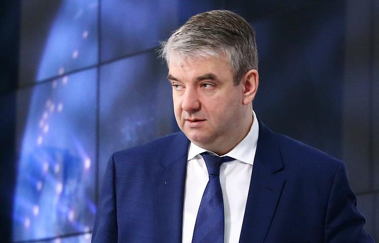Глава Роструда посоветовал россиянам побольше работать