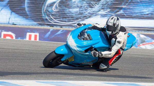 Самый быстрый мотоцикл в мире — электрический - Фото 1